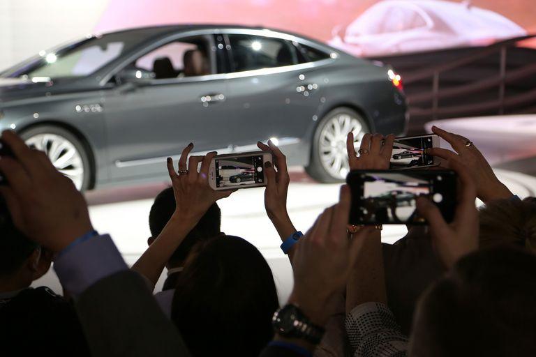 Buick LaCrosse - 2015 Los Angeles Auto Show