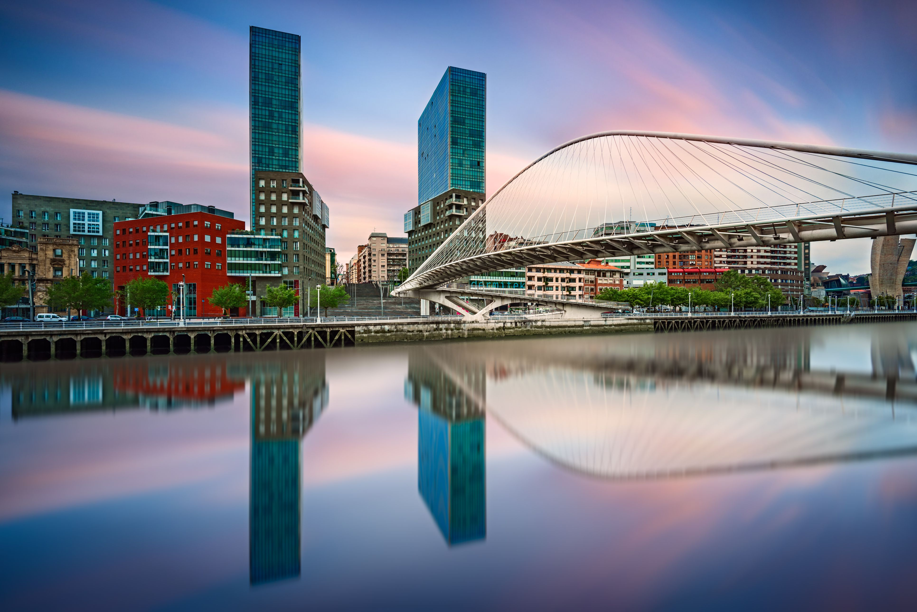 Rooms: How To Get To And From Bilbao To Pamplona, Spain
