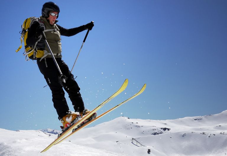 "skiing in Spain for lesson on the Spanish phrase ""a pesar de"""