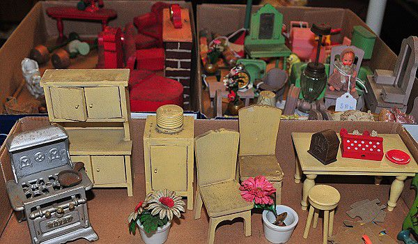 1930s Dollhouse Strombecker Furniture Collection