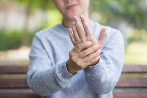 nerve pain in hand