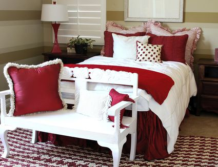 Different Ways to Use Wallpaper in a Bedroom