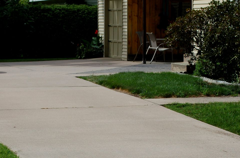 Image of a concrete driveway.