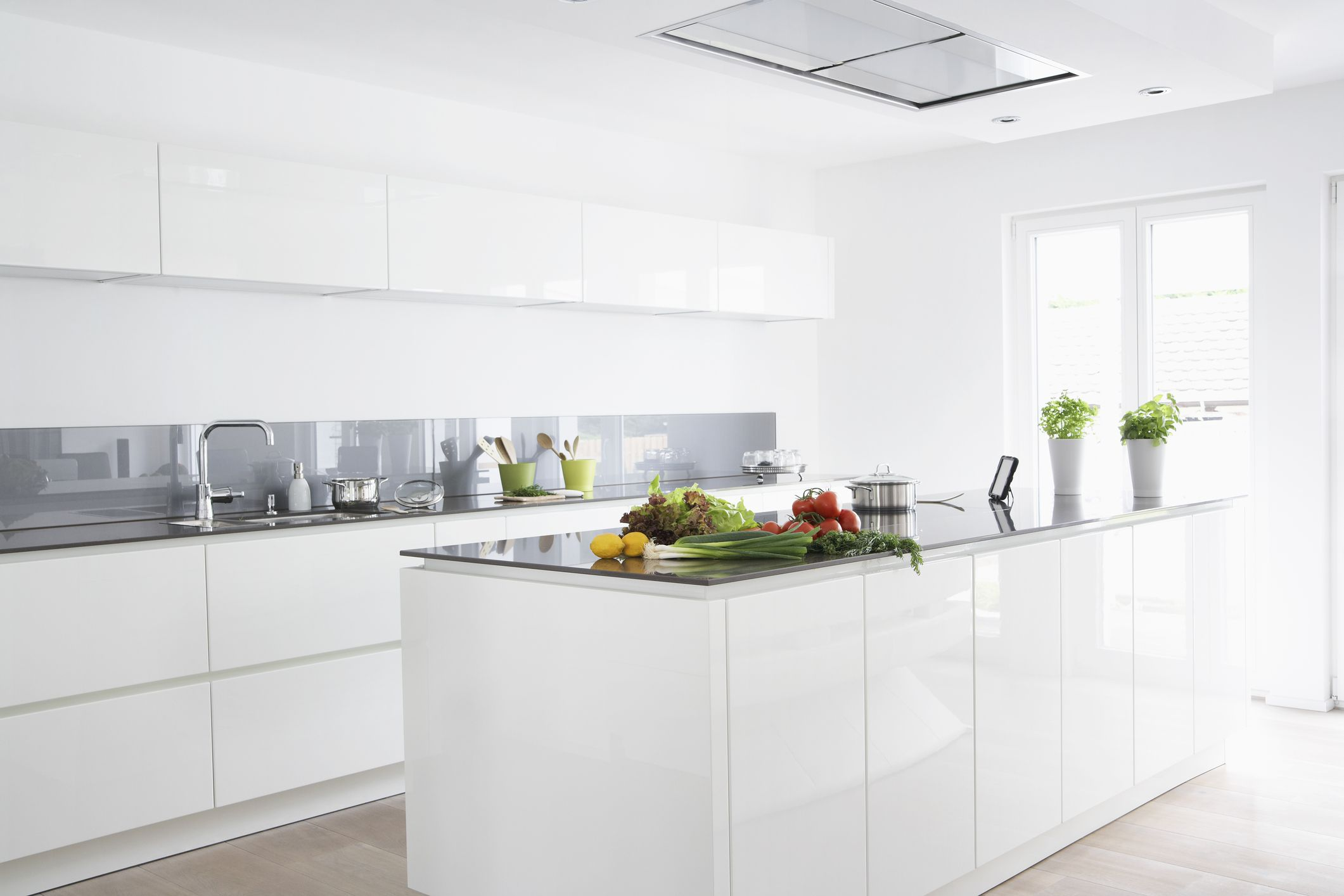 How To Choose Best Feng Shui Colors for Your Kitchen