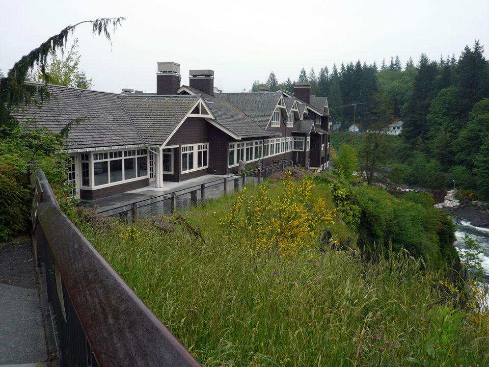 Salish Lodge Overlooking Snoqualmie Falls