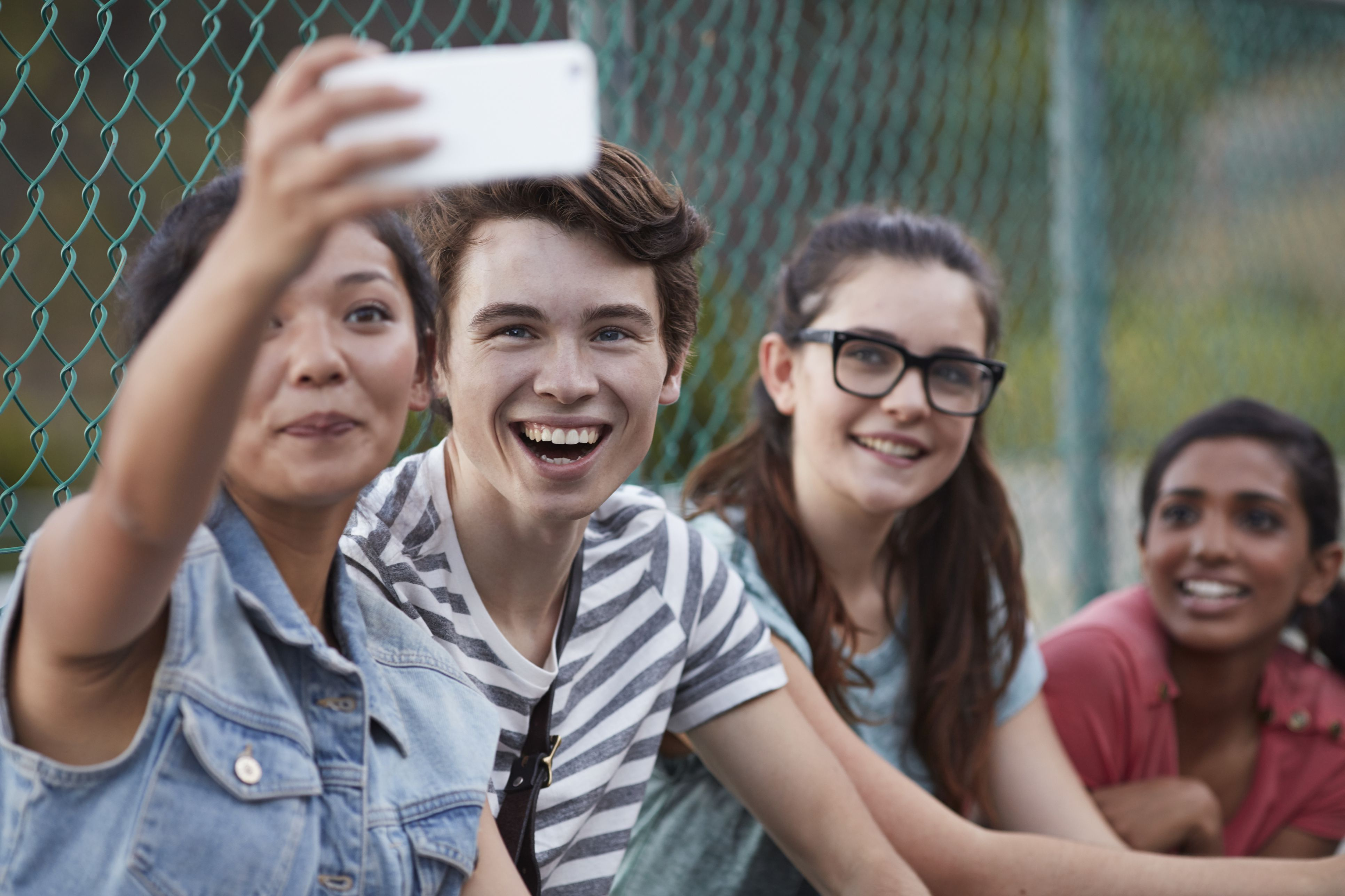 Teen Dating Sites & Social Networks