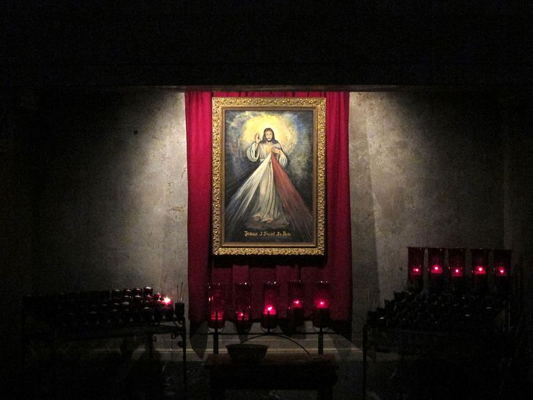 Our Lady of Consolation (Carey, Ohio), interior, Divine Mercy shrine
