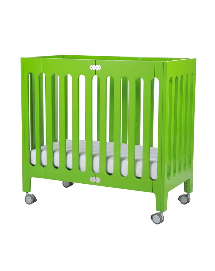7 small cribs for your small nursery space for Cribs for small spaces