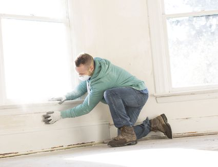 How to correctly use a paintbrush on walls for Clean walls before painting