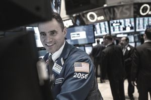 stock trader on the floor of the New York Stock Exchange