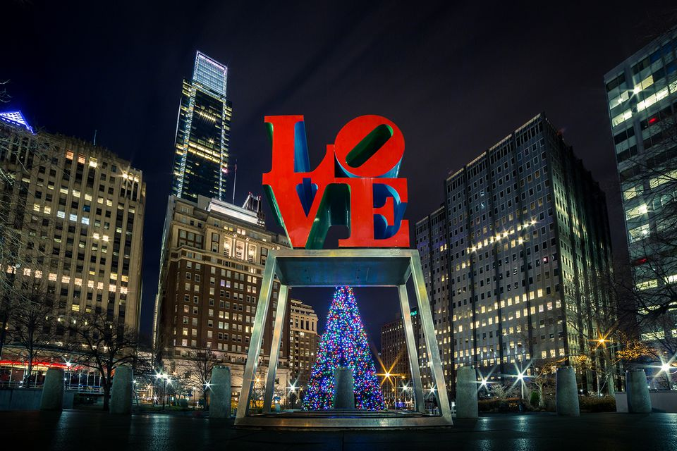 LOVE sculpture and Christmas Tree in Philadelphia
