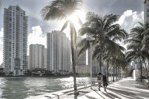 Downtown Miami, people walking along Miami River