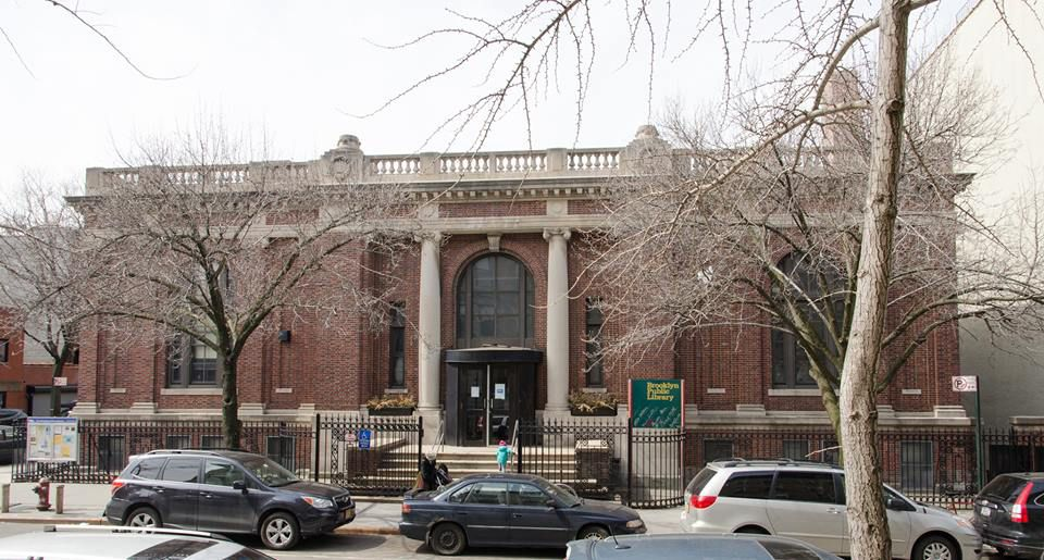 Carroll Gardens Library