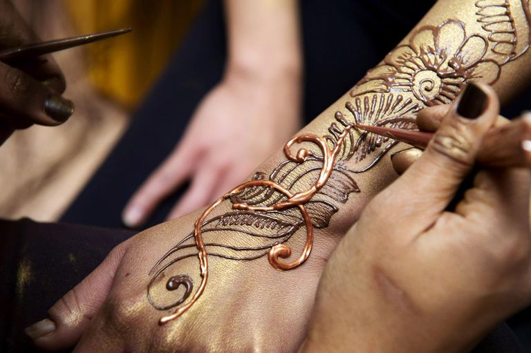Henna Tattoo On Hands Meaning : Are muslims allowed to get tattoos?