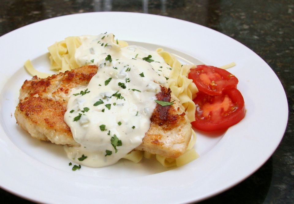 Chicken With Creamy Parmesan Sauce (Mornay)