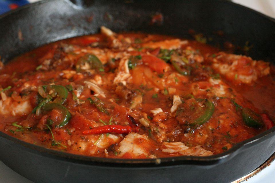 White fish in veracruz sauce recipe pescado recipe for Fish veracruz recipe