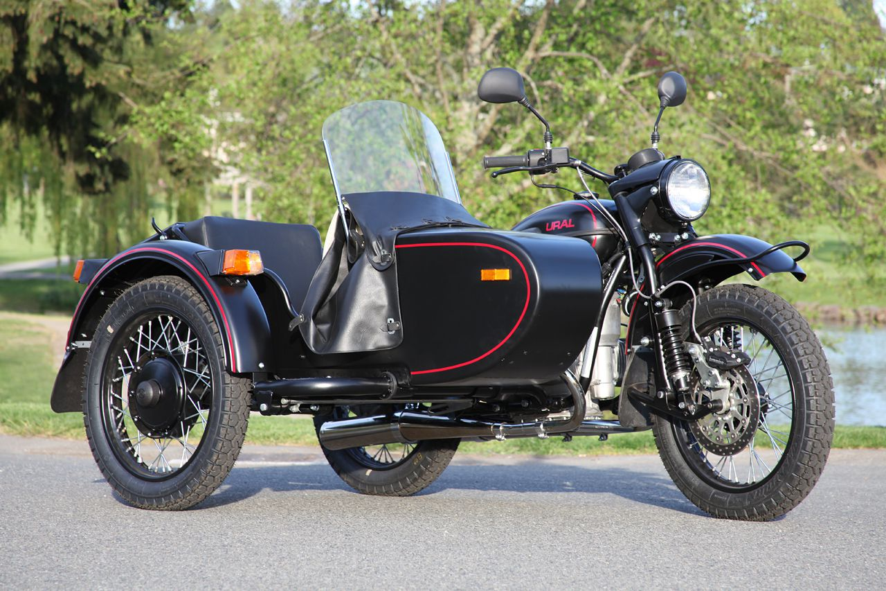 2009 ural t motorcycle sidecar review a review of the 2009 ural t motorcycle sidecar. Black Bedroom Furniture Sets. Home Design Ideas