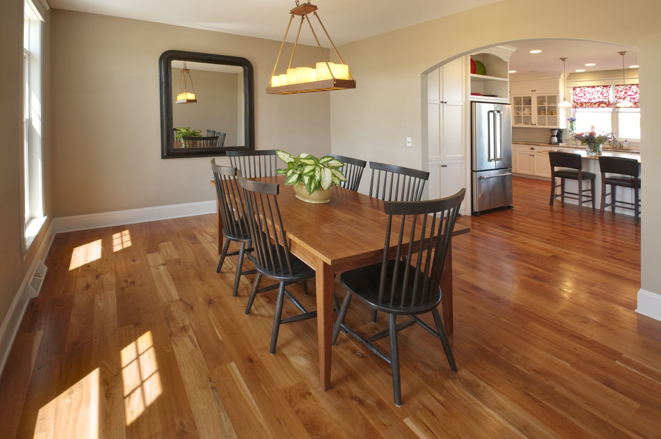 Laminate vs Hardwood Flooring - How They Compare