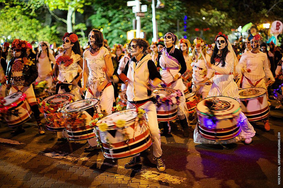 Manhattan Like a Local: Village Halloween Parade in NYC