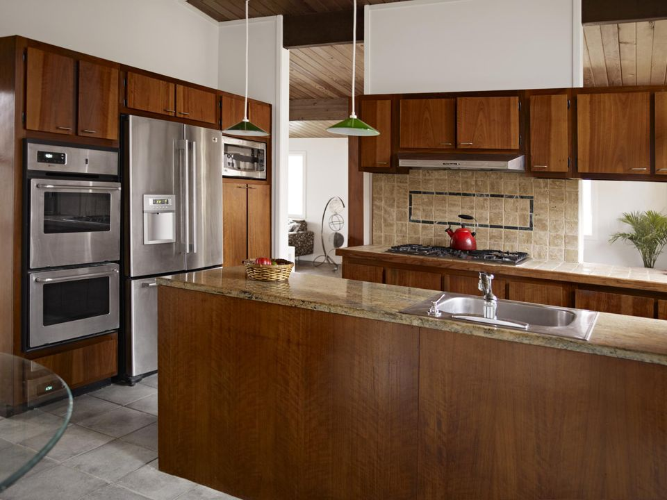 Cabinet refacing guide to cost process pros cons for Cost of wood cabinets