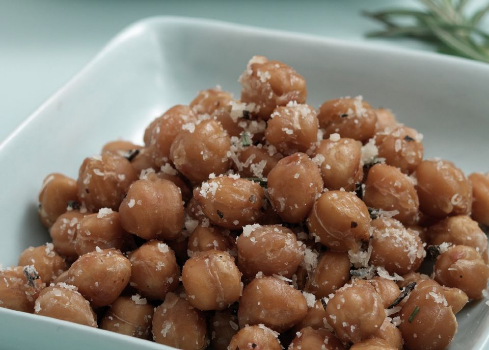 Crunchy roasted chickpeas (garbanzo beans) with Parmesan cheese - a great snack for kids AND adults!