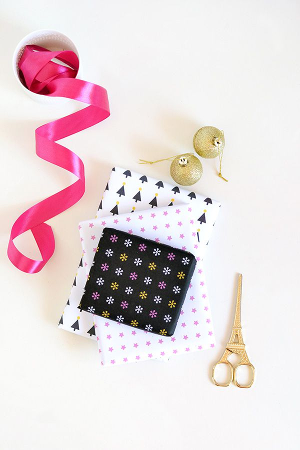 DIY Printable Festive Gift Wrap