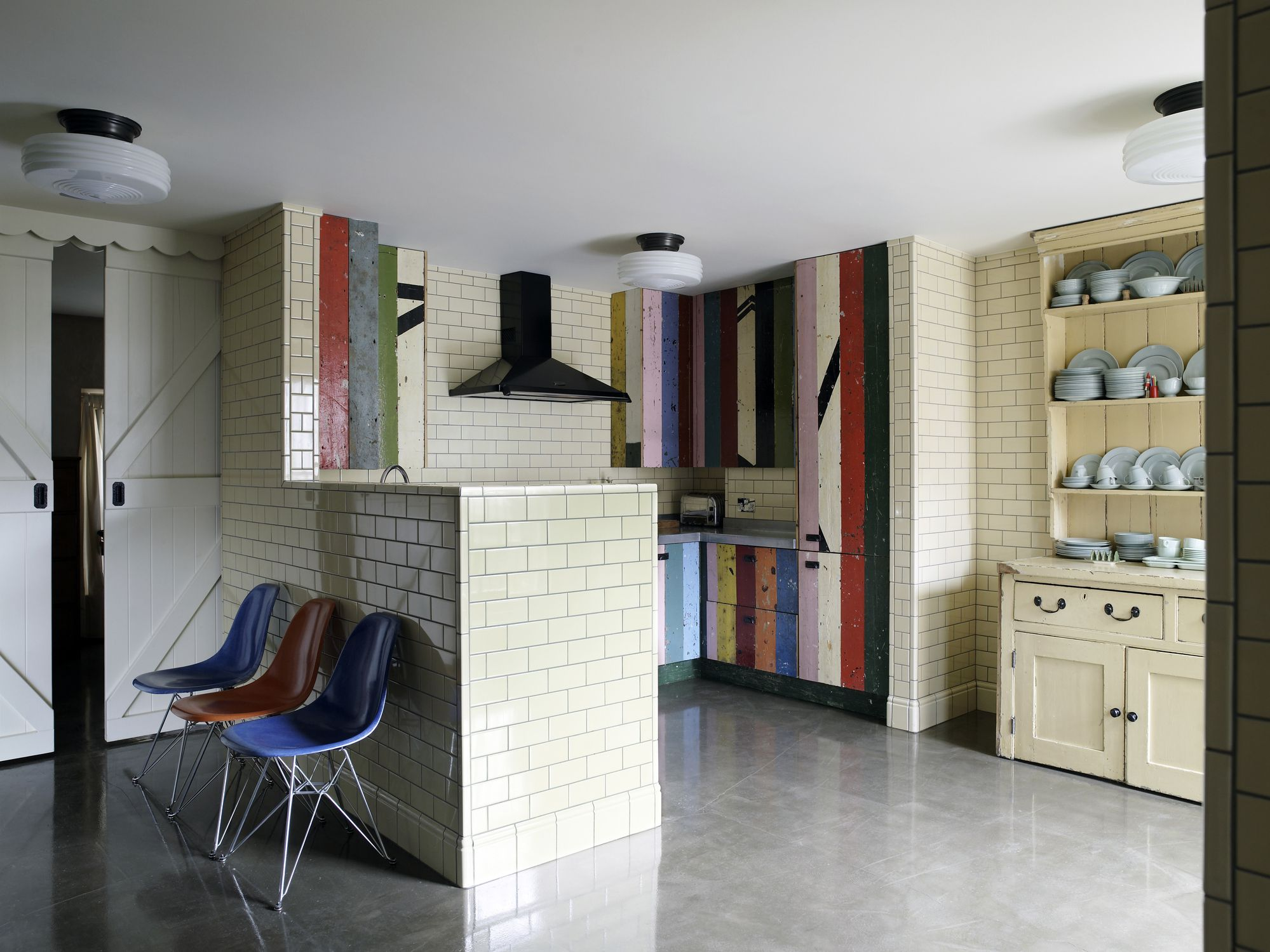 The 4 best choices for garage floor finishes a look at concrete flooring options color texture and design solutioingenieria Image collections