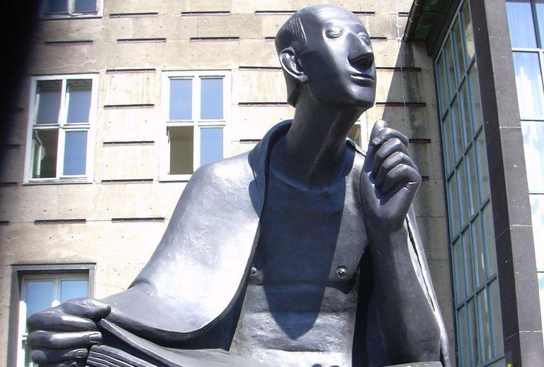 Statue of Albertus Magnus