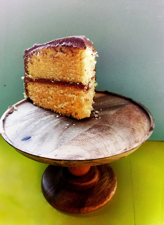Simple Vanilla Cake Chocolate Buttercream Frosting