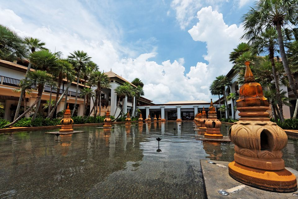 Phuket Airport - Hotel Transfers, Immigration, Currency