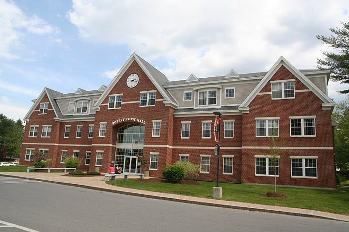 Robert Frost Hall at SNHU