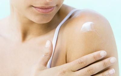 why seborrheic dermatitis causes red flaky skin. Black Bedroom Furniture Sets. Home Design Ideas