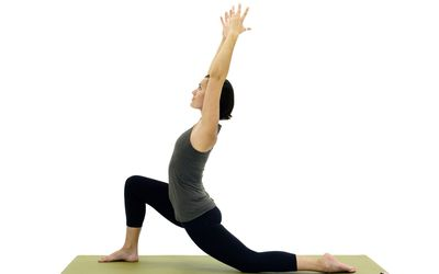 how to do lizard yoga pose utthan pristhasana