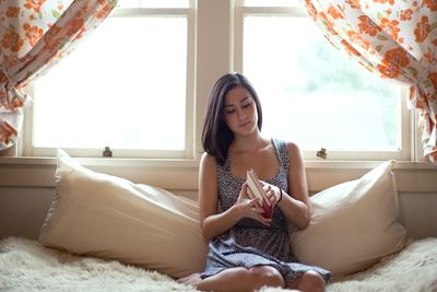 """ways to destress in college Here's how to de-stress at a moment's notice  30 ways to de-stress in just 30  """"the results suggest aroma inhalation may reduce stress among college."""