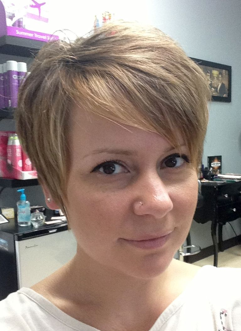 A Step-By-Step Guide to Growing Out a Pixie Cut