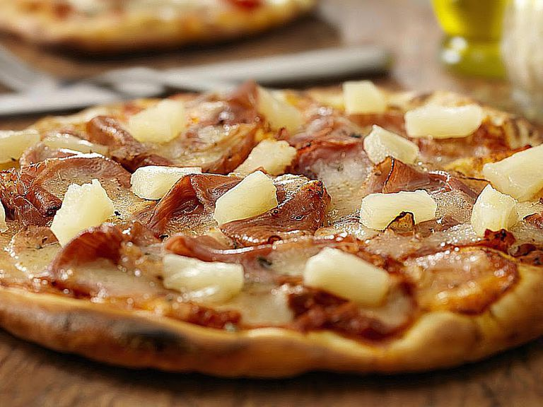 I got Ham & Pineapple – The Ultimate Combination!. What Pizza Topping Are You?