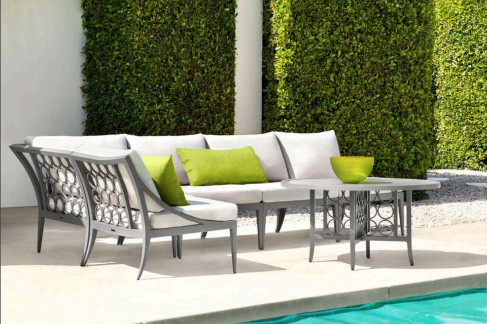 brown jordan patio set