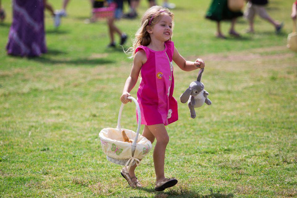 A Happy Easter Egg Hunter