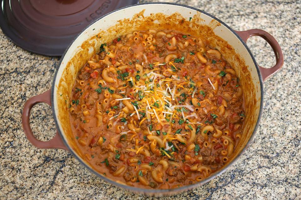 One Pot Chili Macaroni and Cheese