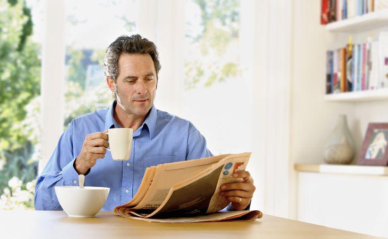Leyendo una crónica