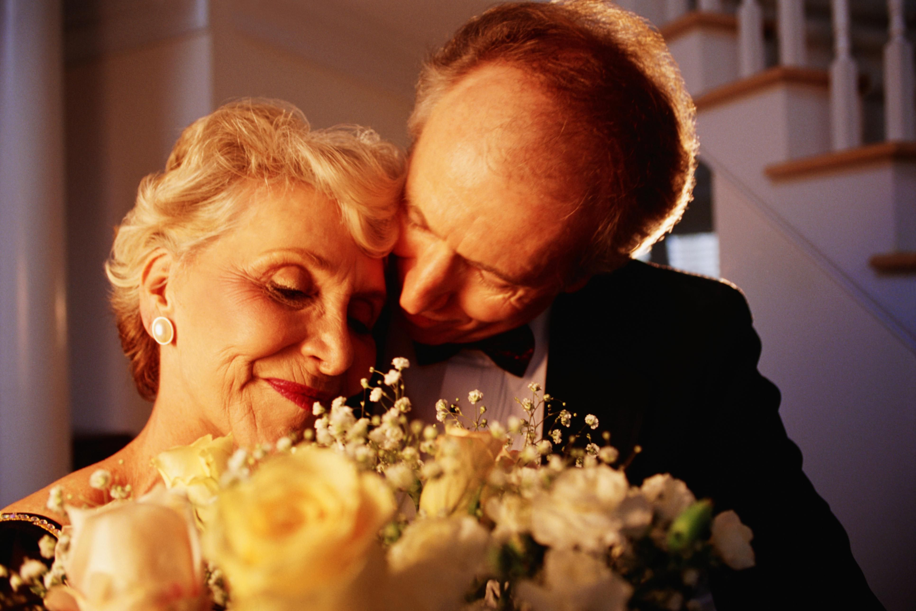 Traditional 40th Wedding Anniversary Gifts: 40th-Anniversary Celebration Suggestions And Ideas