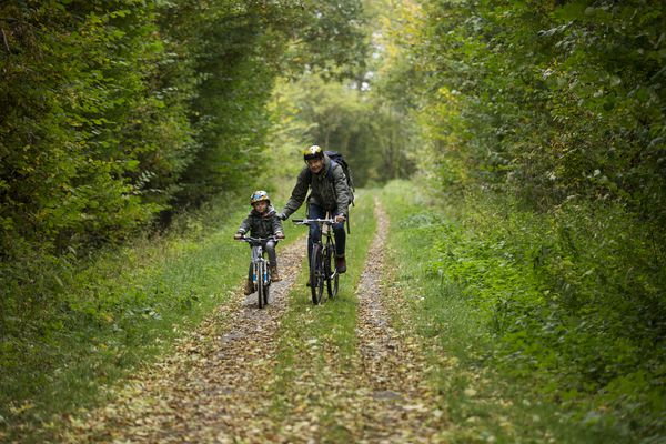 Father and son cycling - family adventure racing