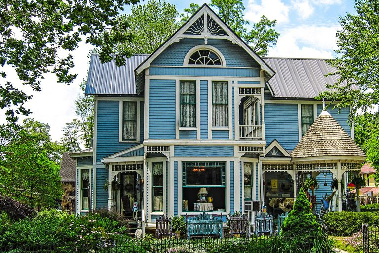 A Gallery of Blue House Colors: Ornate Victorian Style House in Nashville, Indiana