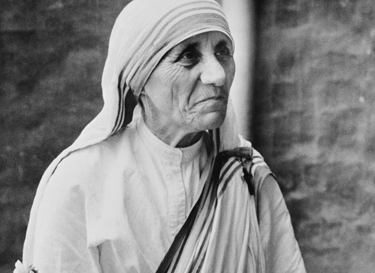 mother teresa the saint of gutters essay Pope francis proclaimed mother teresa a saint on sunday, bestowing the catholic church's highest honor on one of the most widely admired public figures.