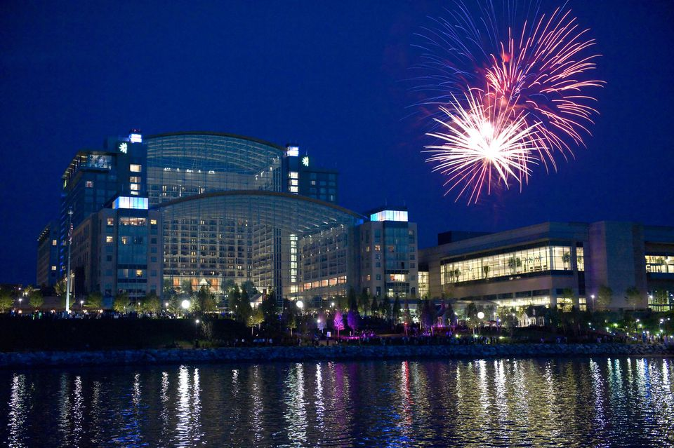 Fireworks over Gaylord National Resort