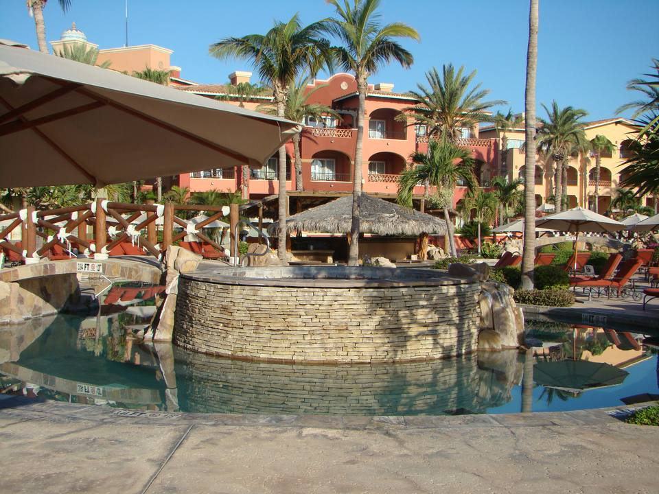 Cabo San Lucas offers a wide selection of spacious resorts.