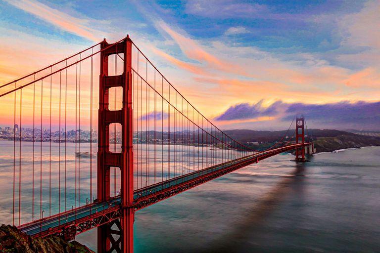Golden Gate para ilustrar cómo los turistas pueden solicitar la extensión de la visa
