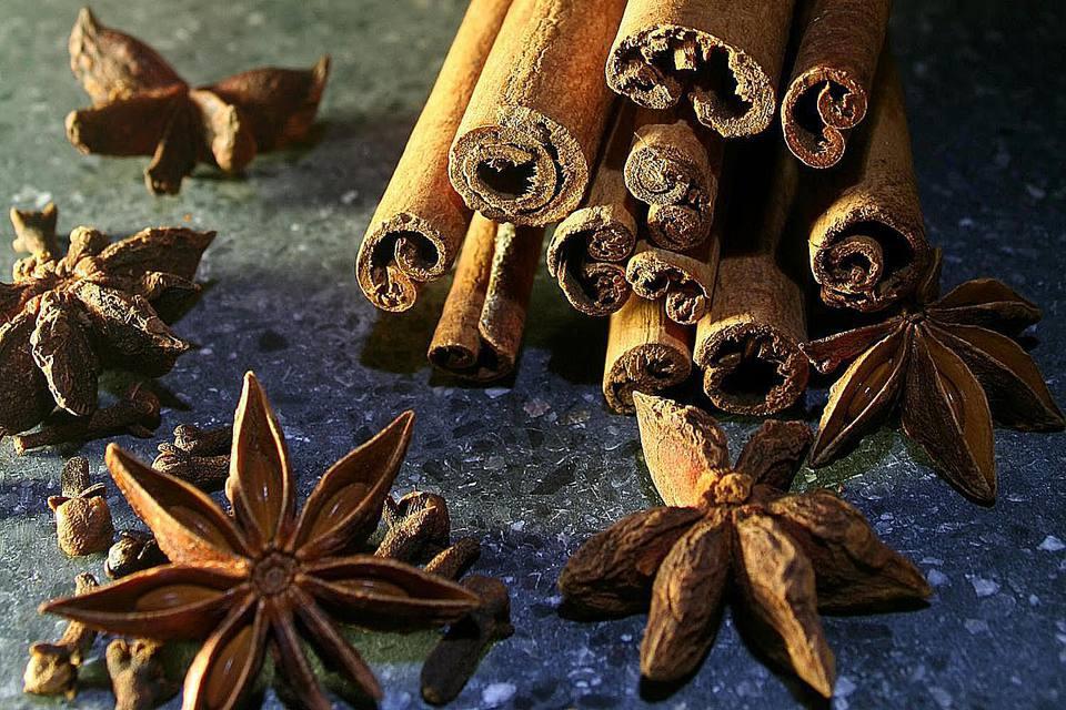 Cinnamon Sticks, Cloves and Anis