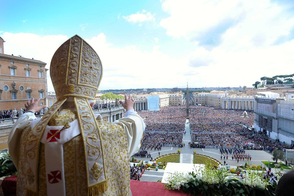 Pope Benedict XVI delivers his Urbi et Orbi message for Easter 2012 on April 8, 2012, Vatican City.