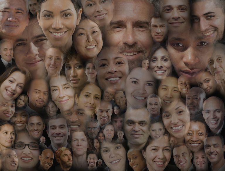 Caras representando la heterogeneidad de los hispanos en USA